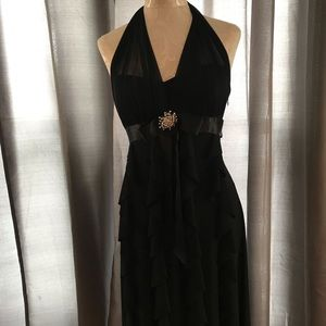 Stunning Betsy&Adam black cocktail dress size 6